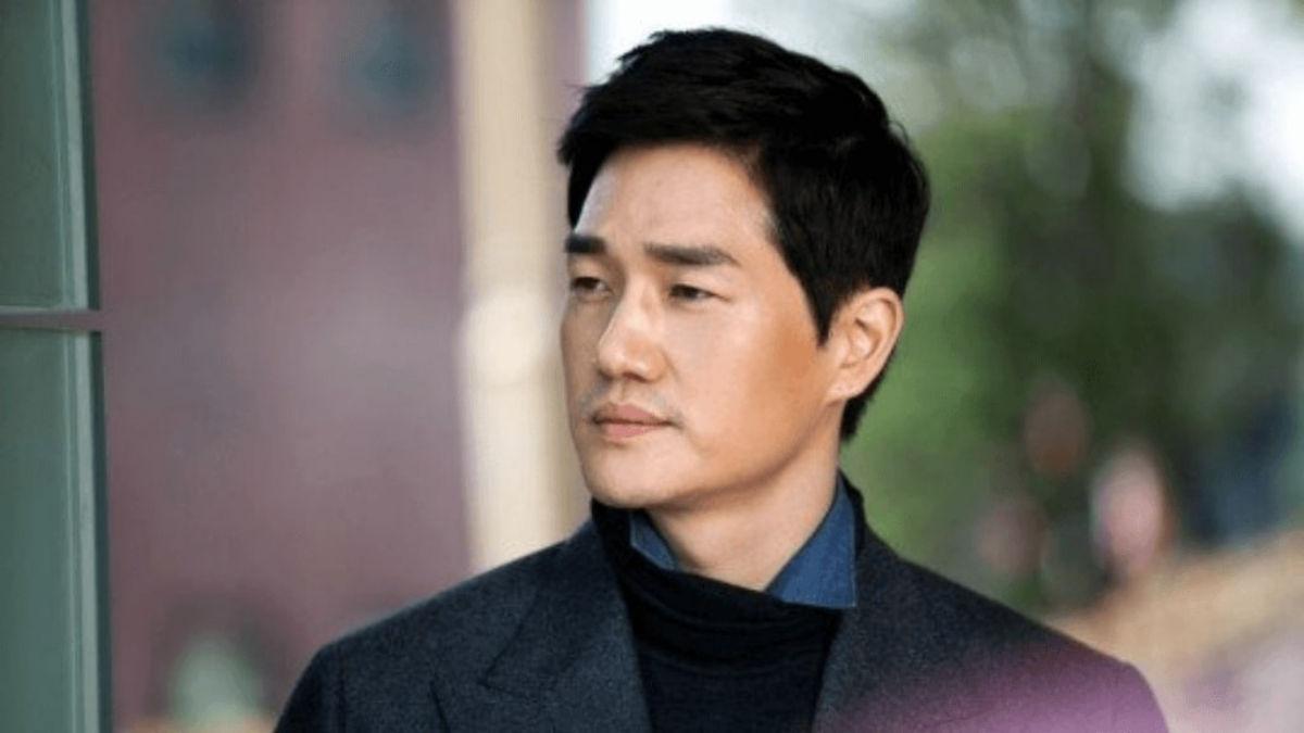 Yoo Ji Tae as Kim Moon Ho - healer drama