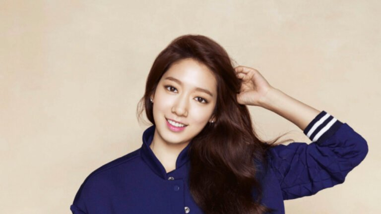 Park Shin Hye Wallpapers HD Pack Download (ZIP)
